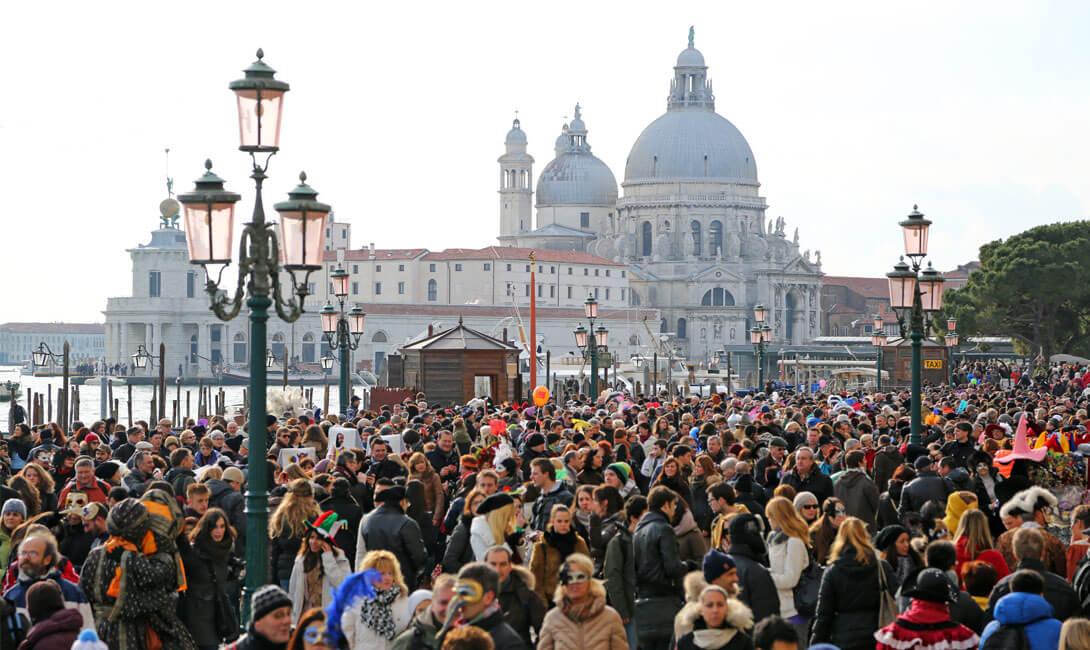 Venice Crowd