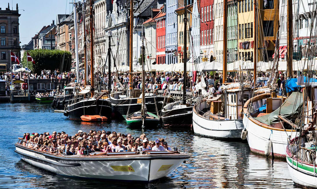 Canal Tours by Nyhavn